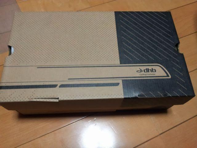 dhbのSPDシューズの箱
