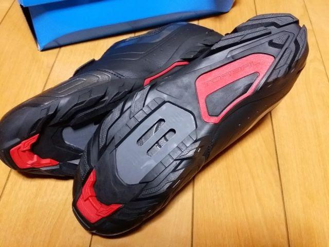 シマノのSPDシューズSH-M089LE、靴底のクリート穴