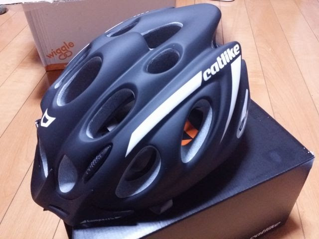 カットライクのKOMPACT'Oヘルメット