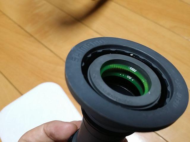 ボトムブラケットSM-BBR60には綺麗にグリスが塗られています。