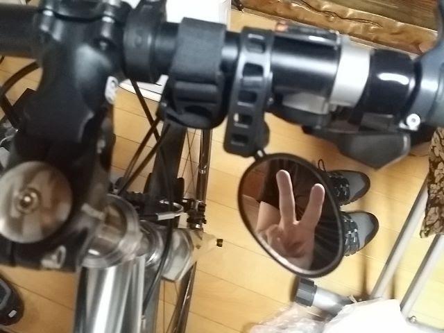 GearBestのサイクルミラーをクロスバイクのハンドルに取り付けた