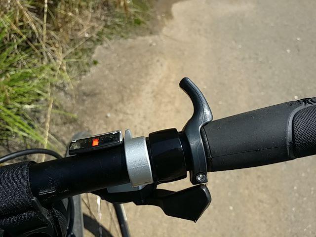 TOGSをクロスバイクのフラットバーハンドルに装着