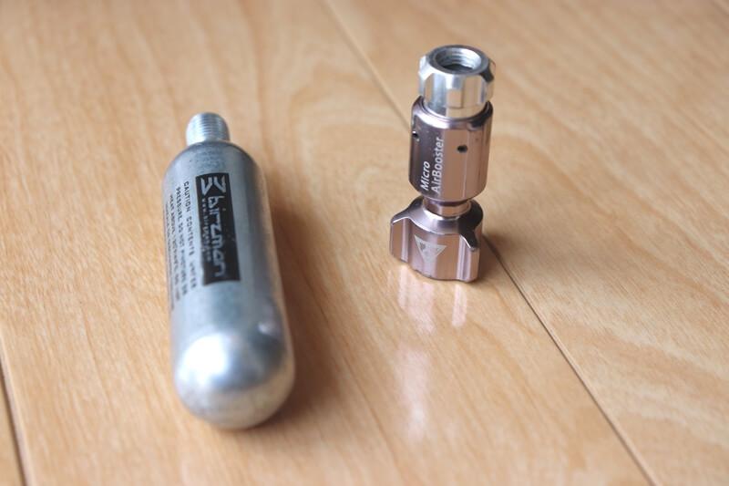 トピーク CO2インフレーターとCO2ボンベ