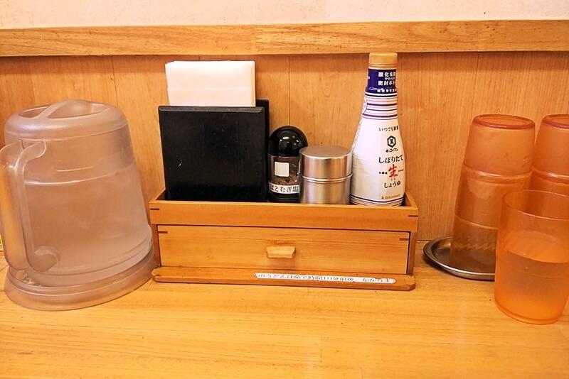 藤ヱ門 道の駅 思川店 店内のテーブル