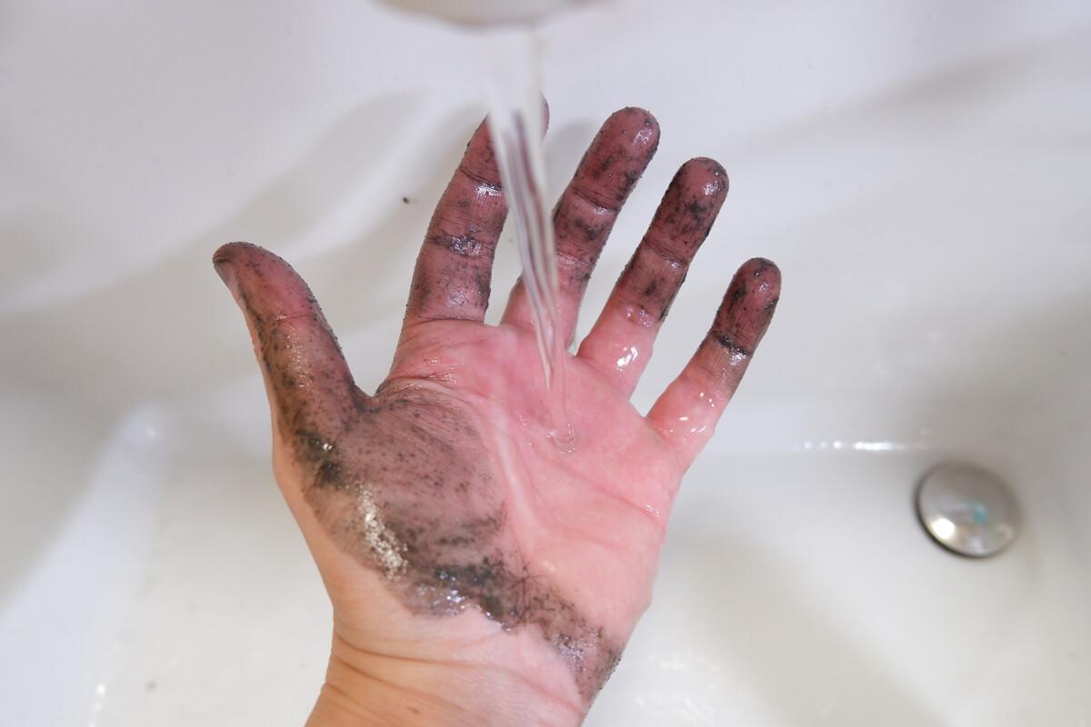 洗いま専科を水で流す
