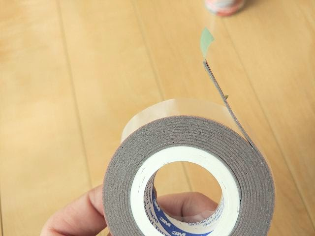 3Mエンブレム用両面テープの厚み