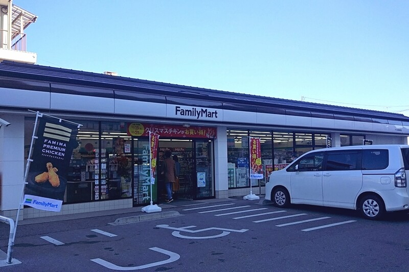 栃木市にあるファミリーマートは蔵造り