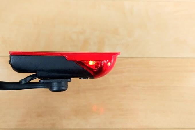 OWLEYE(オールアイ) 自転車テールライトの側面