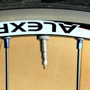 アレックスリムR390にタイオガ36mmバルブのチューブを装着