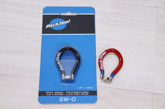 パークツールのニップル回しSW-0のパッケージとSW-2