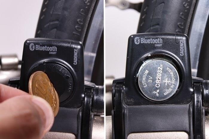 キャットアイ スピードセンサー ISC-12、電池交換の方法、コインでカバーを開ける