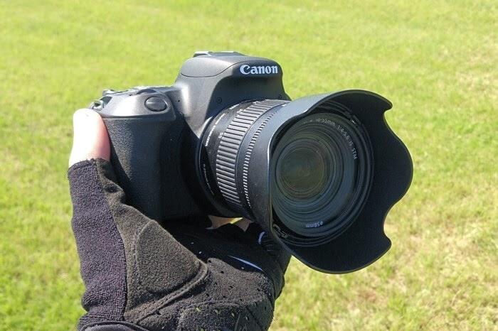 キヤノンの一眼レフカメラ、EOS Kiss X9を持ってサイクリング