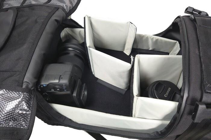 CHROME(クローム)のカメラバッグ「NIKO PACK」に一眼レフカメラを入れる