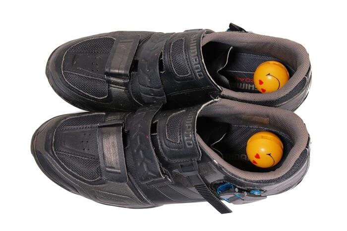 SPDシューズの消臭にボール型の芳香・消臭剤、スニーカーボール