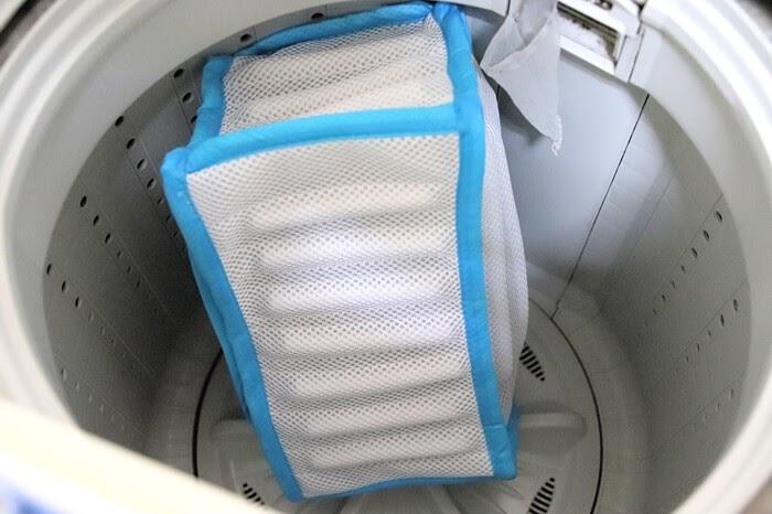 サイクルシューズをシューズ洗濯ネットに入れて洗濯機で洗う