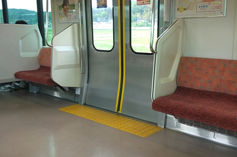 電車の入り口