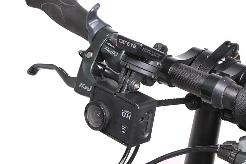 キャットアイ OF-200にサイコンとアクションカメラを設置