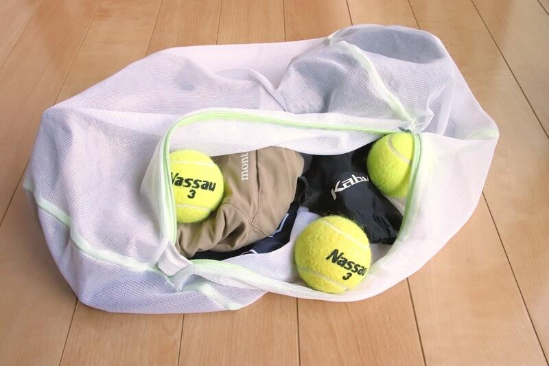 テニスボール3個を洗濯ネットに入れた状態