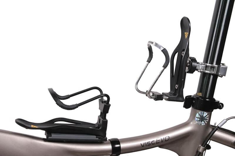 トピーク モジュラーケージ2、シルバーとブラック両方を自転車に取り付けた状態