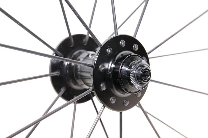 ラジアル組の自転車ホイール