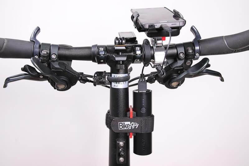 Ankerのモバイルバッテリー5000mAhを折りたたみ自転車のハンドルポストに固定