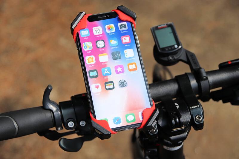スマホホルダーにシリコンラバーバンドを取り付けて自転車に装着