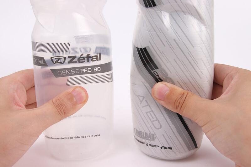 ゼファールとキャメルバック、自転車ボトルのかたさを比較