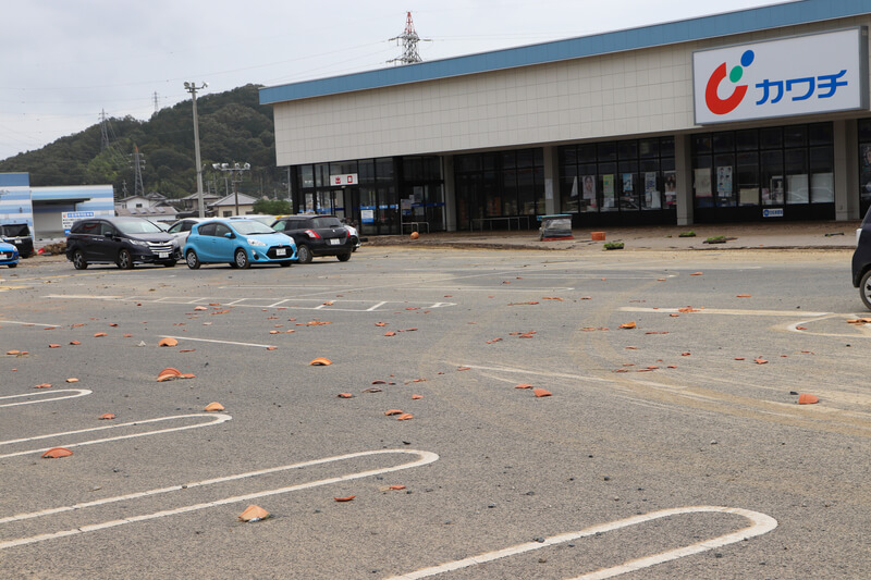2019年10月14日 台風19号 栃木市大平町 駐車場に散らばった鉢