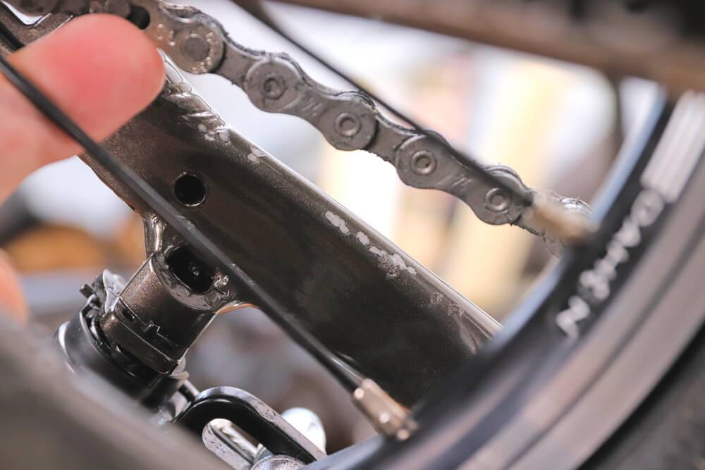 自転車チェーンによるフレーム傷
