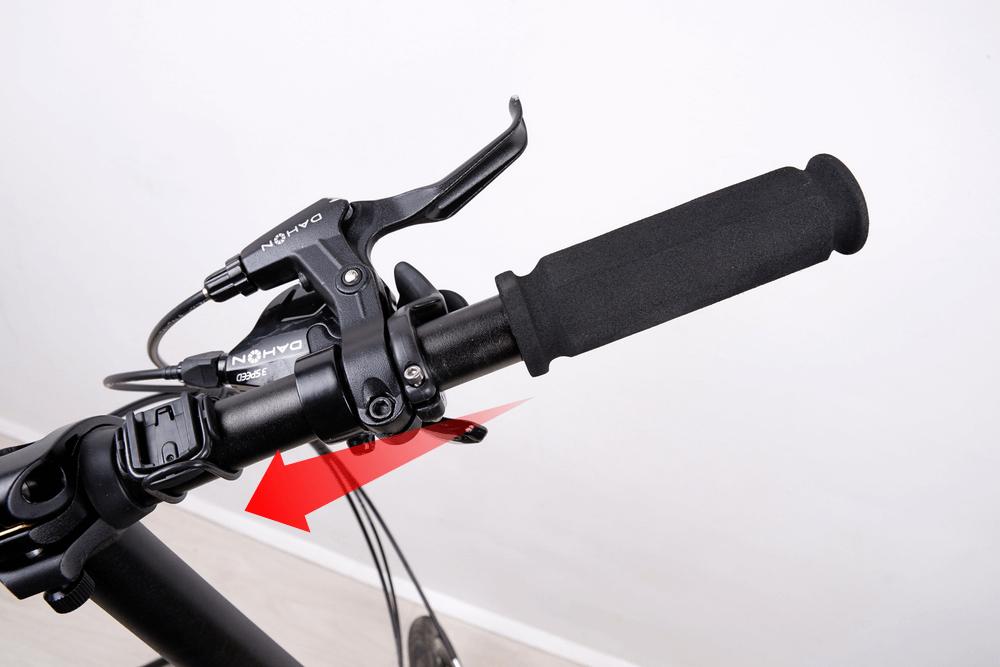 自転車グリップの交換、ブレーキレバーとシフターを内側に寄せる