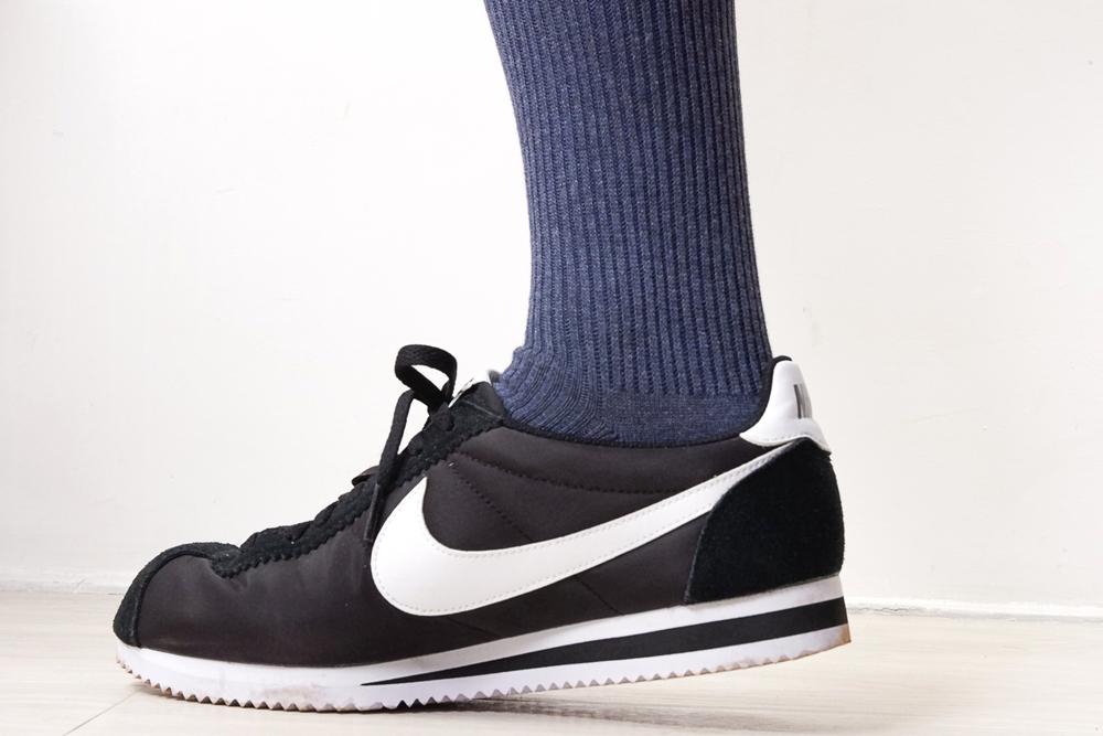 無印良品 足なり直角靴下とナイキ コルテッツナイロン