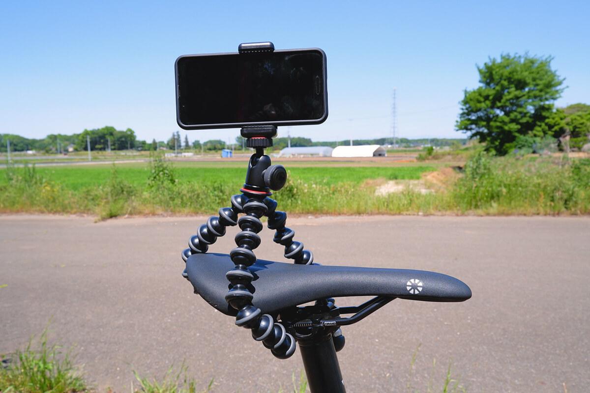 ゴリラポッドを自転車のサドルに固定する