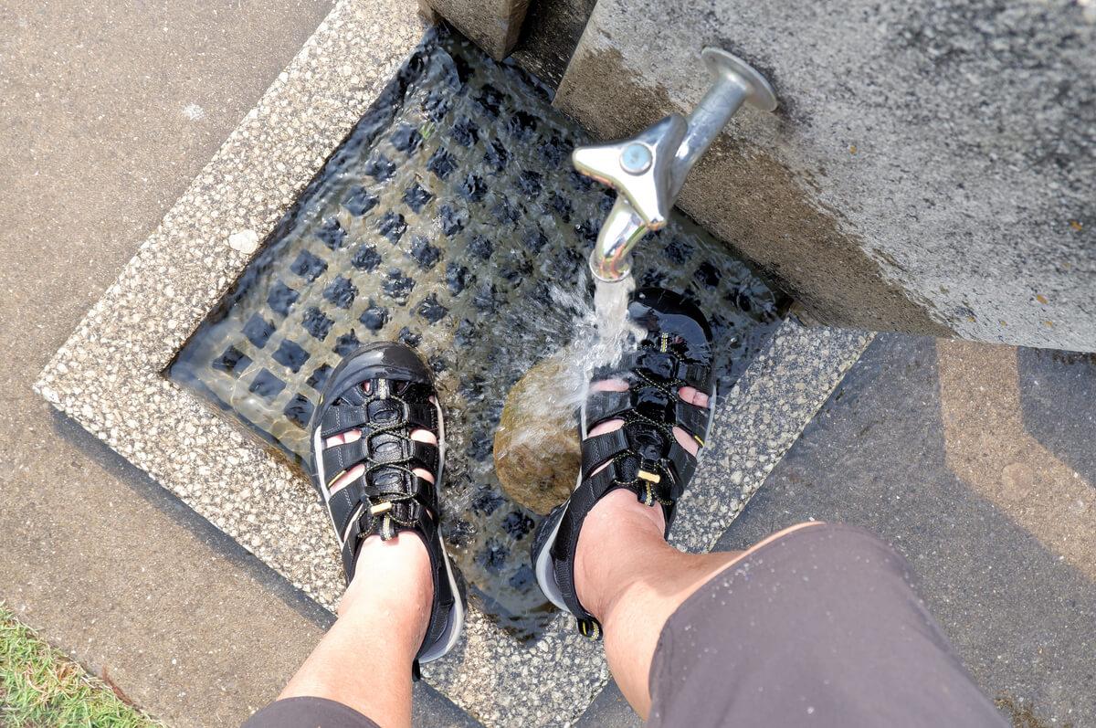 KEEN NEWPORT H2を履いて水を浴びる