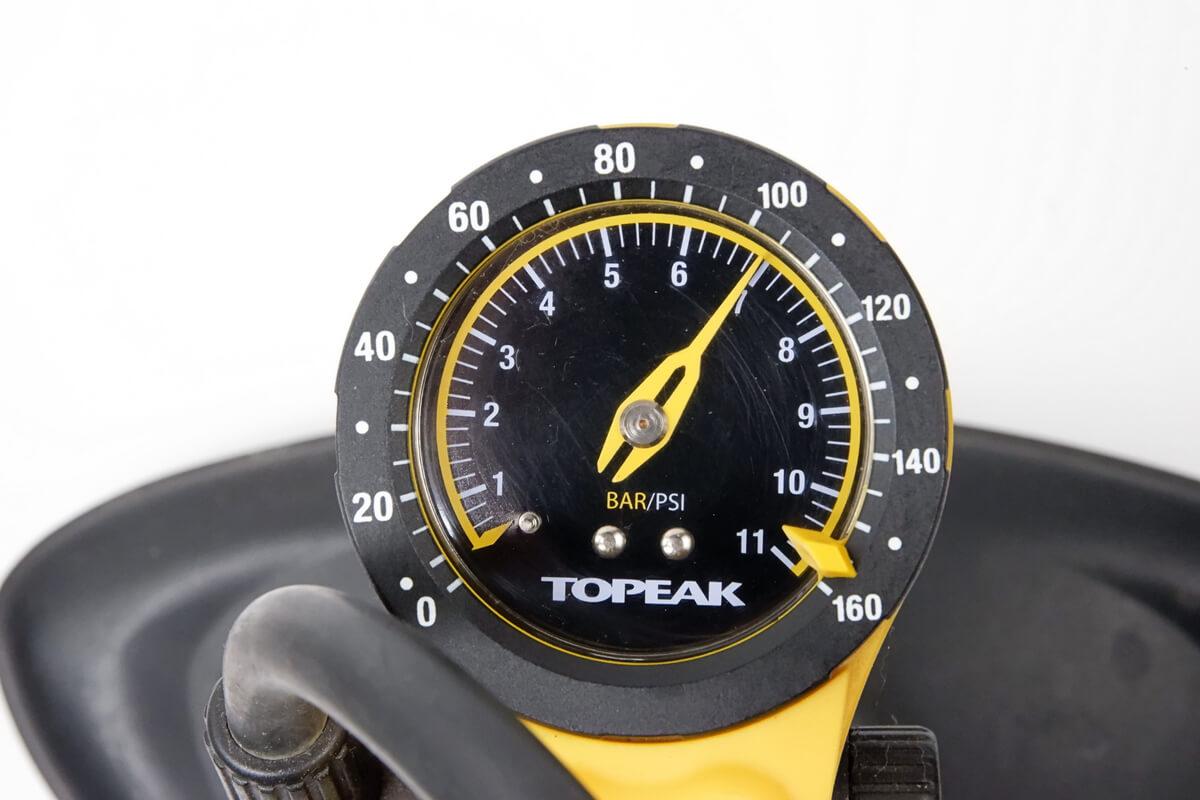 自転車用空気入れの気圧計