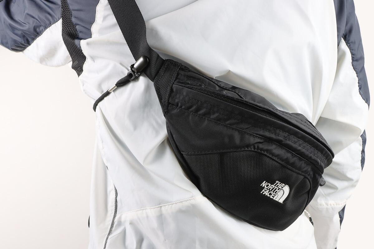 ダイソーのキャップストラップを使ってウエストバッグのずれ落ち防止