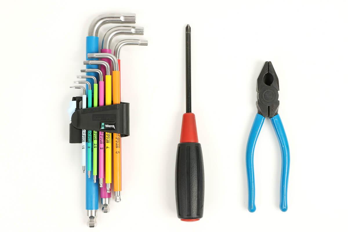 フロントディレイラーの調整に使用する工具