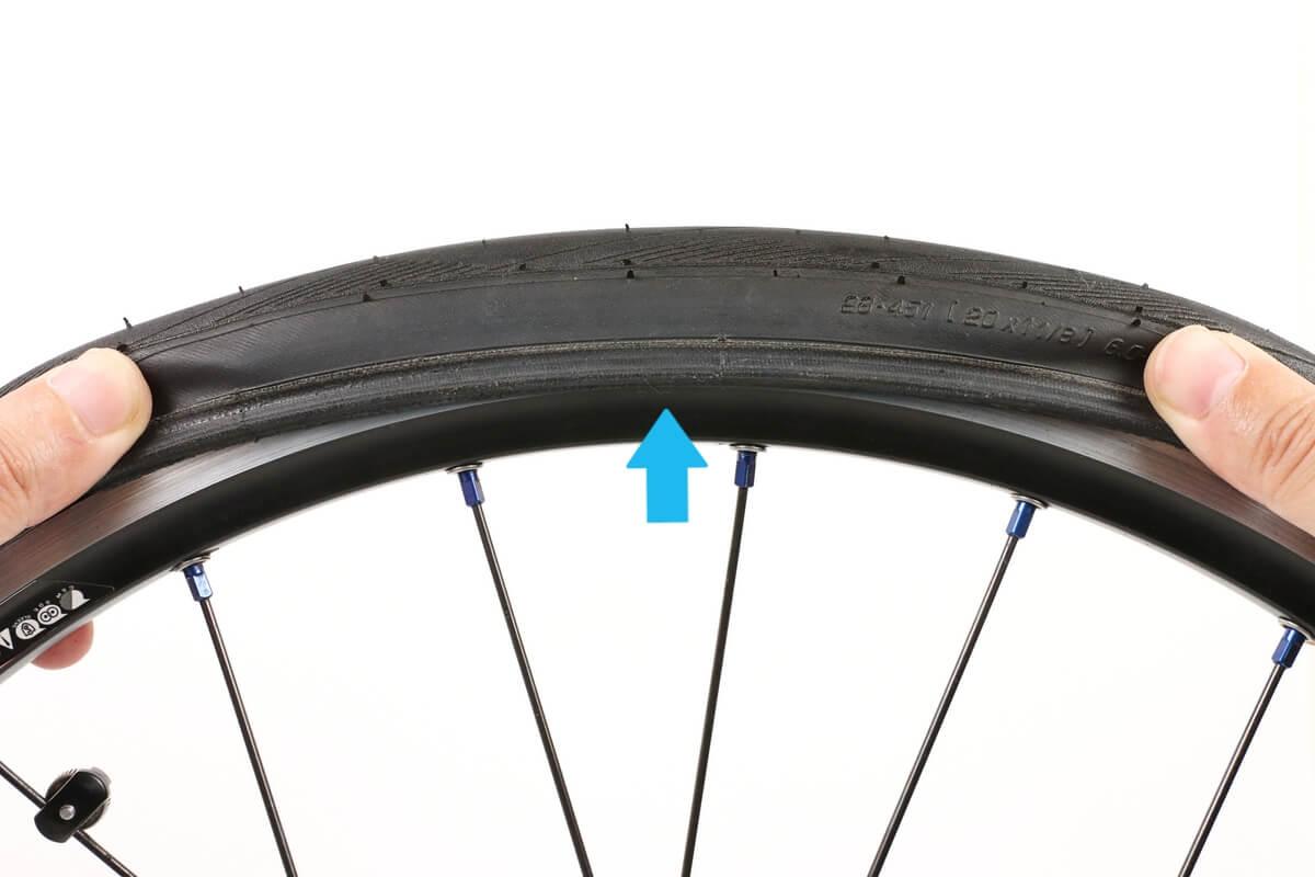 自転車のタイヤがリムに嵌まらない