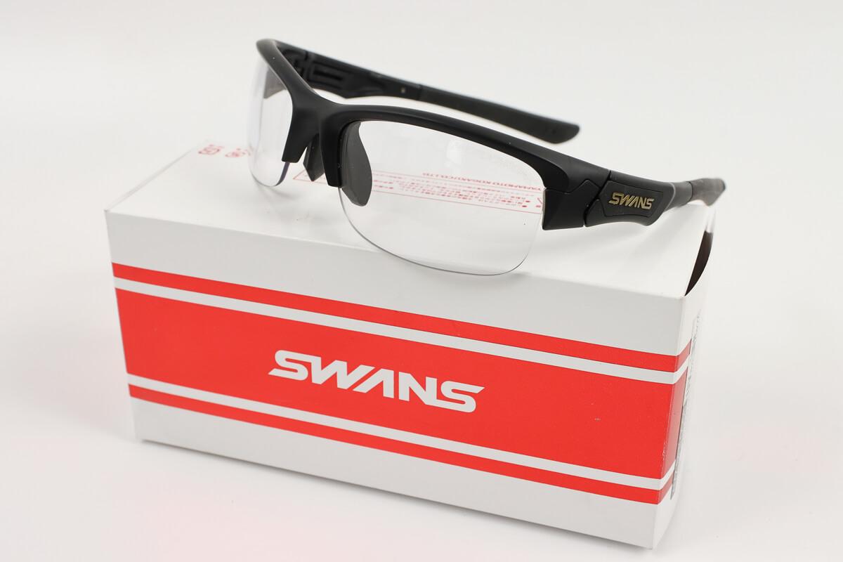 スワンズのサングラス、スプリングボック、調光レンズ
