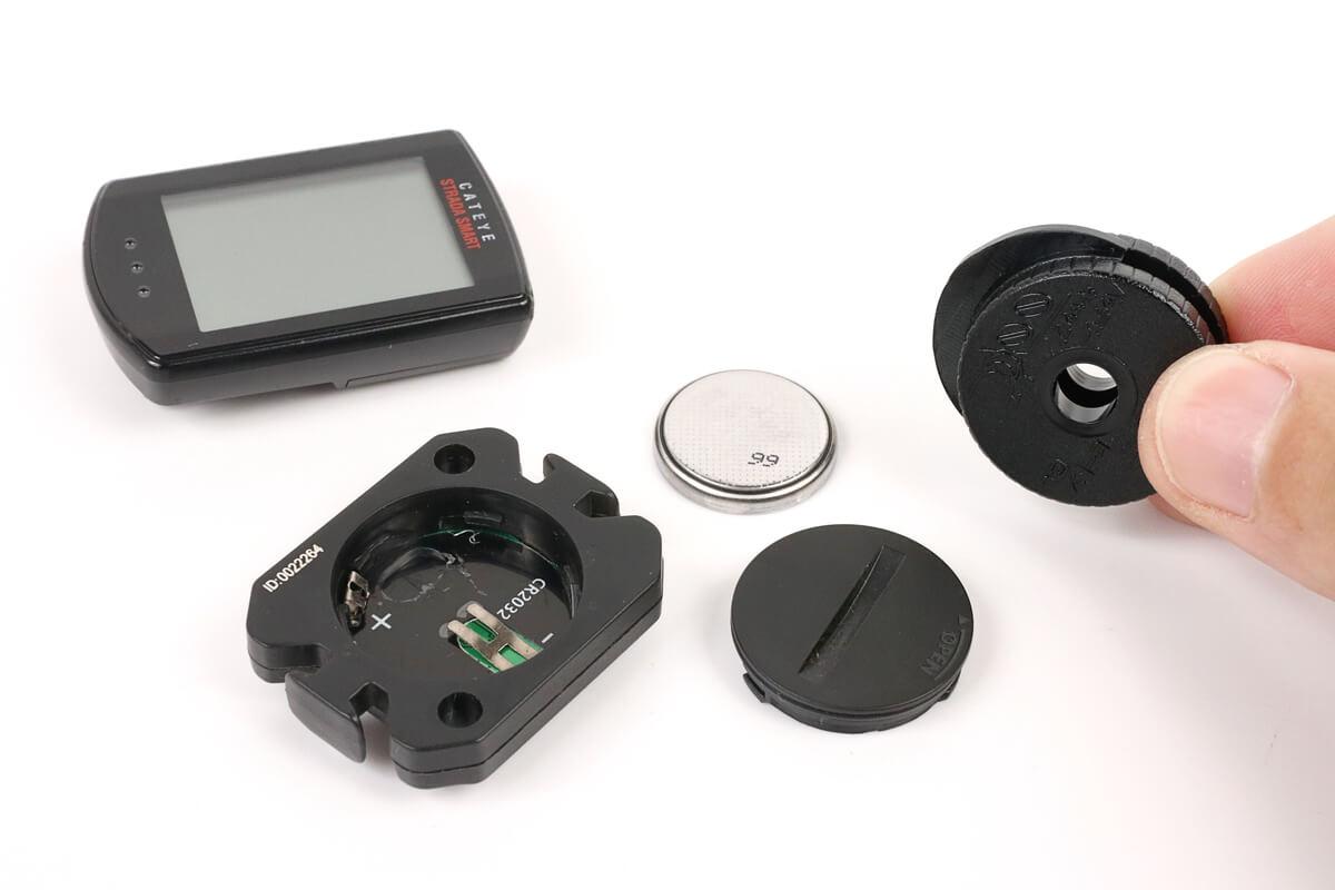 サイコンやセンサー類の蓋を開ける工具