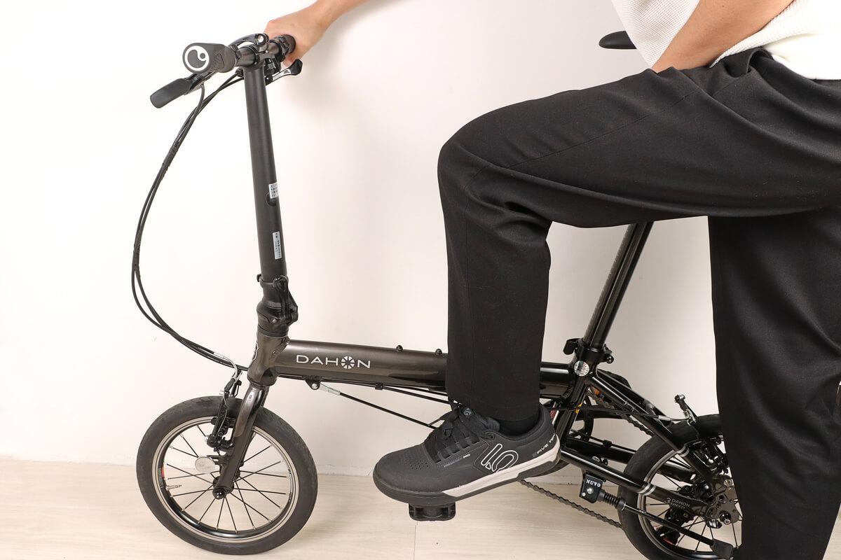 自転車の左ペダルの外し方