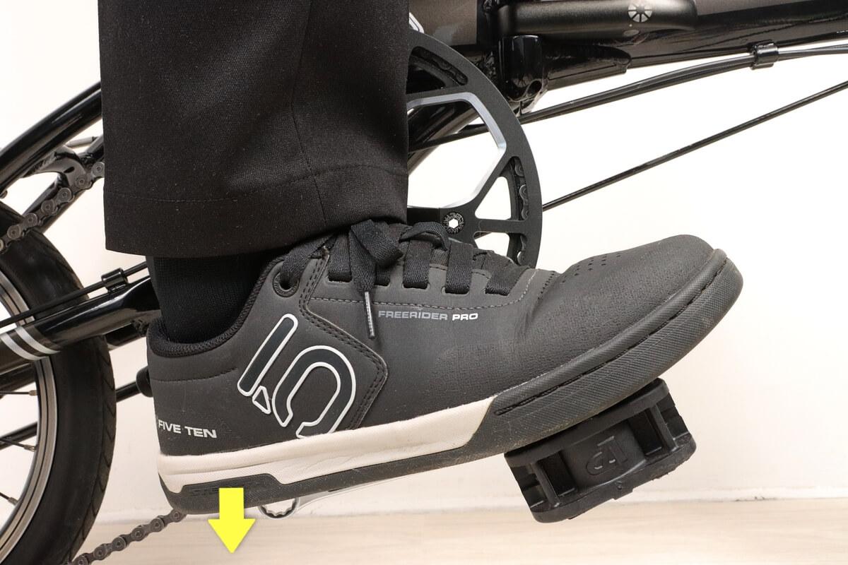 自転車ペダルを簡単に外す方法