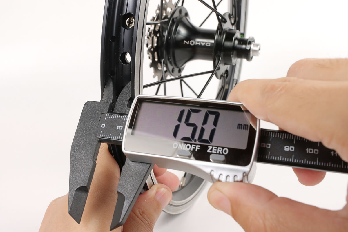自転車ホイール リムの内径を測る