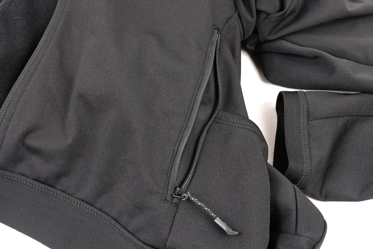 ワークマン MOVE ACTIVE CYCLE ウォームジャージのサイドポケット